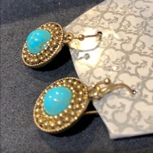 71d6aa0010035 NWT gold and Turquoise Round Earings NWT